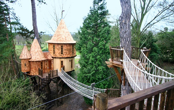 living-the-highlife-treehouse-by-blue-forest-design_hero777
