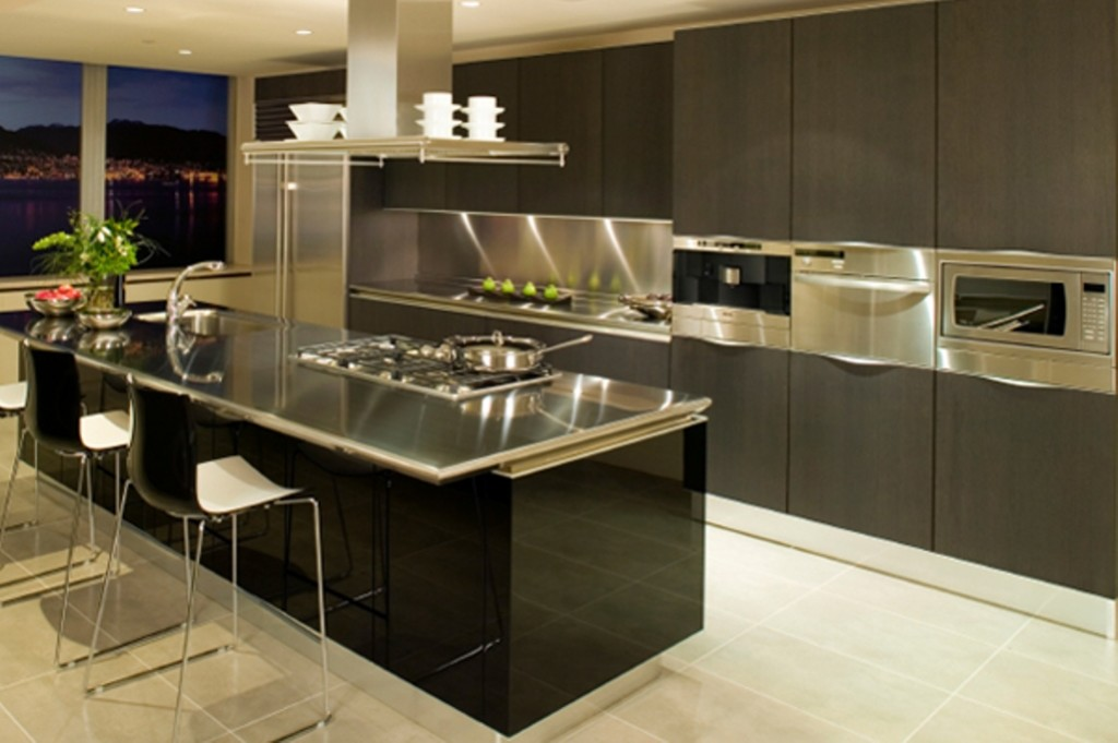Stylish-Kitchen-With-Stainless-Steel-Cabinets