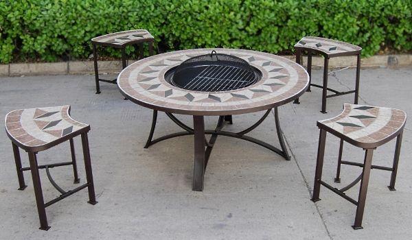 Стол для барбекю, он же стол-мангал или огневой стол.