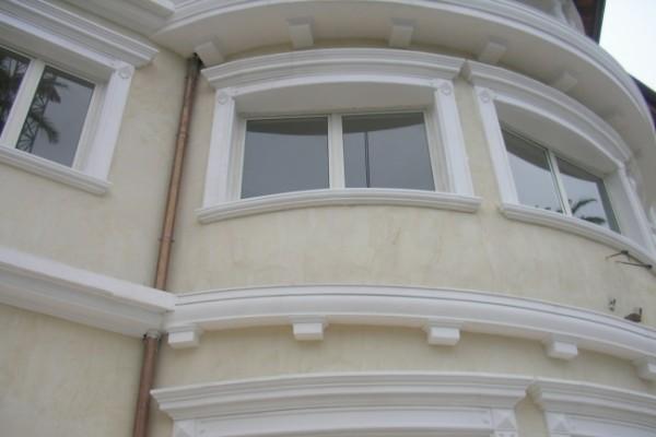 Фасадные полиуретановые молдинги