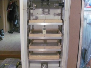 Самодельный вертикальный инкубатор