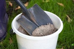 Добавка золы в почву