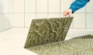 Производить укладку плитки нужно на максимально ровной поверхности, предварительно сделав разметку