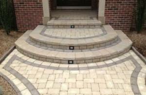 Тротуарная плитка как напольное покрытие крыльца