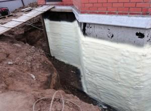 Утепление зданий методом напыления пенополиуретаном
