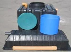 Варианты конструкций инфильтраторов. Какой бы она ни была, важно чтобы корпус защищал стоки от нежелательного растекания и направлял их строго в определенную зону, то есть вниз - на фильтр из гравия и песка
