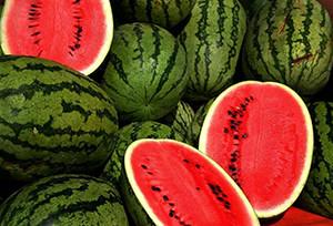 Плод этого сорта ярко-зеленого цвета с темными полосками