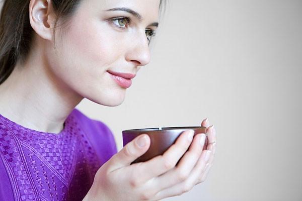 Иван-чай снимает воспалительные процессы и позволяет женскому организму войти в гормональный тонус