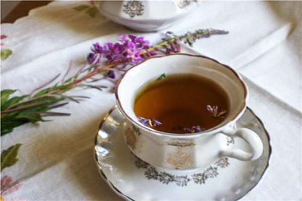 Иван-чай активно употребляют при гипертонии и при других сердечных заболеваниях