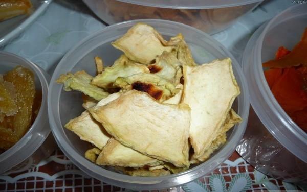 Дыню в сушеном виде рекомендуют употреблять отдельно от всех продуктов