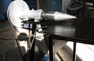 Гидравлический дровокол с конусным колуном