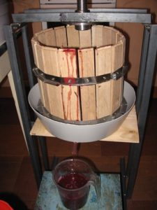 Как сделать пресс для винограда своими руками