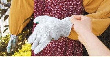 Имитация рук у чучела