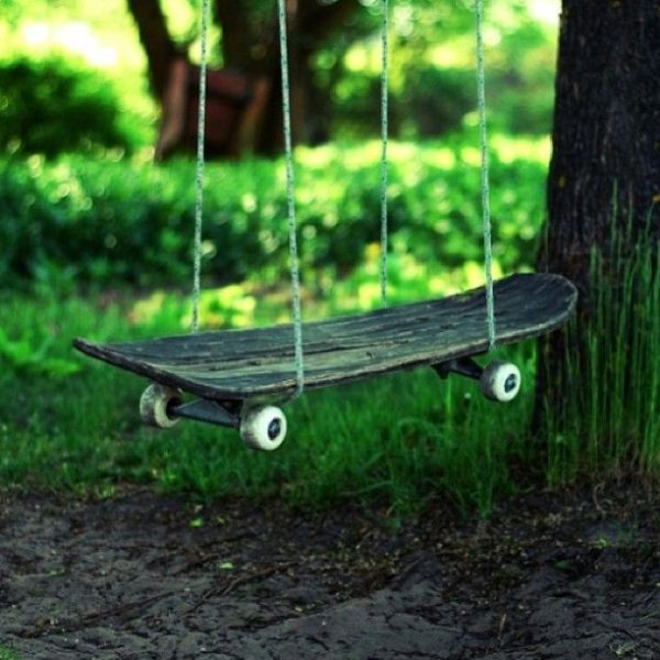 Качели из скейта