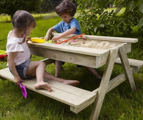Песочница в виде стола