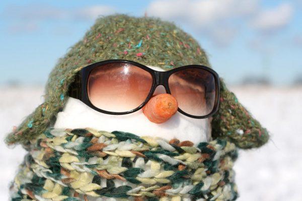 Снеговик в очках