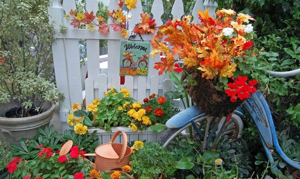 Осенний вход в сад