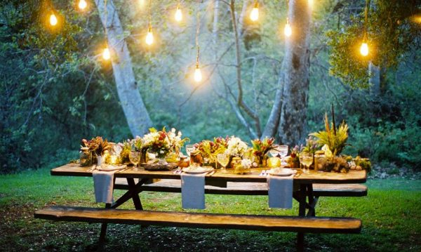 Романтическое украшение стола