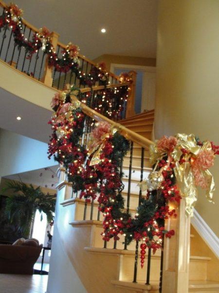 Украшение всей лестницы