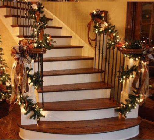 Мерцающие огоньки на лестнице