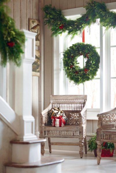 Рождественский венок из гирлянд