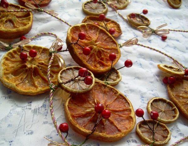 Гирлянда из цитрусовых