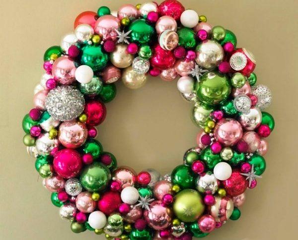 Яркий рождественский венок