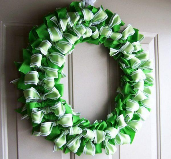 Зелёные бантики