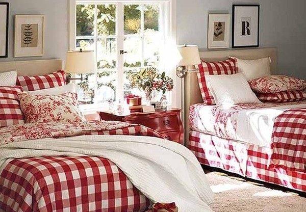 Одинаковое постельное бельё