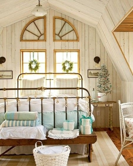 Венки над кроватью
