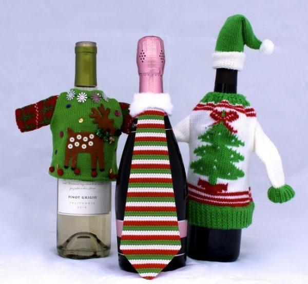Бутылки в свитерах