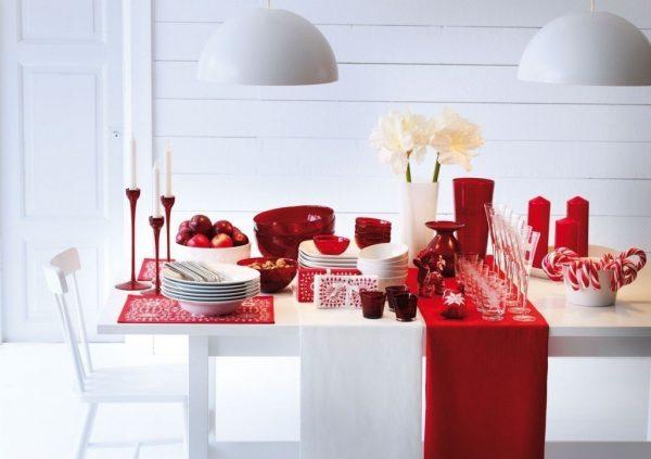 Красно-белый декор