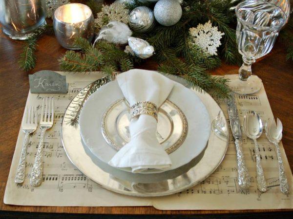 Серебро в оформлении стола
