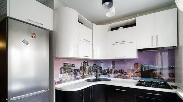 Чёрно-белая кухня