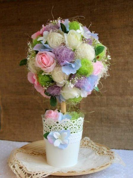 Топиарий из сизаля и цветов