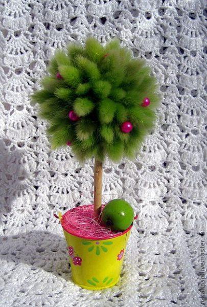 Зелёное мохнатое дерево