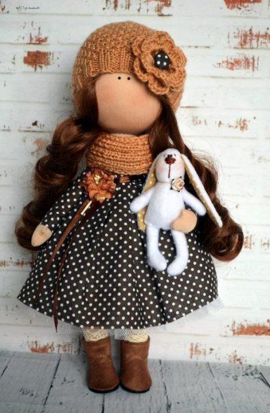 Девочка с зайчиком