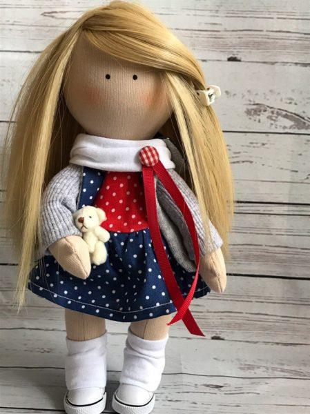 Растрёпанные волосы куклы