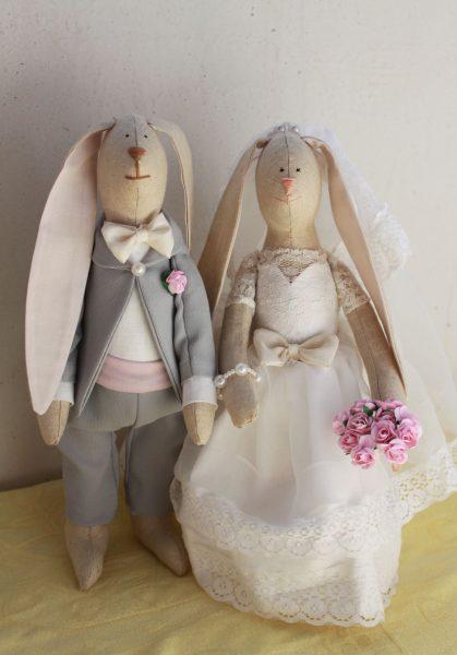 Свадебная пара игрушек