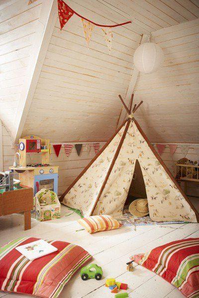 Палатка в комнате