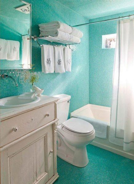 Ванная комната с винтажной мебелью