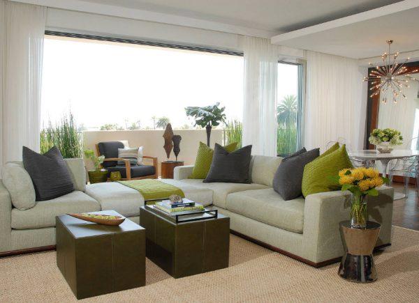Серо-зелёный диван
