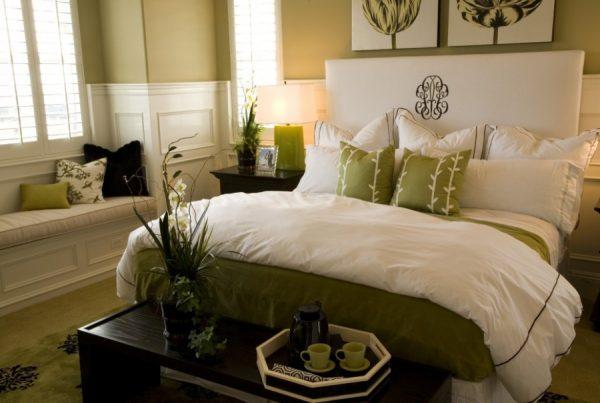 Декоративные подушки как завершение образа