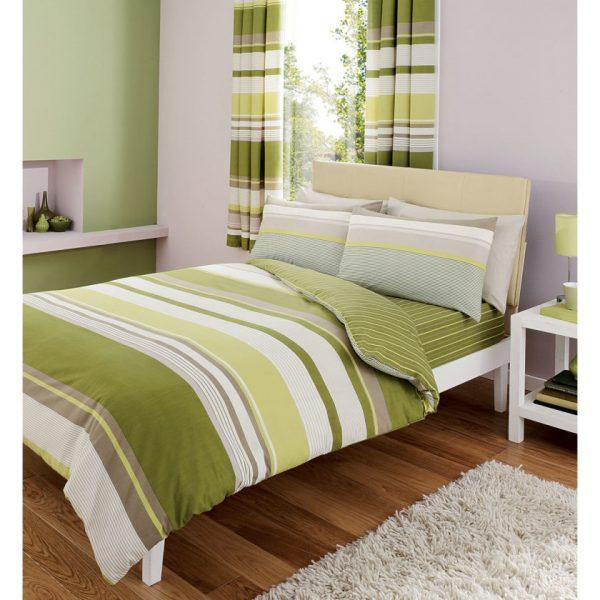 Одинаковое постельное бельё и шторы