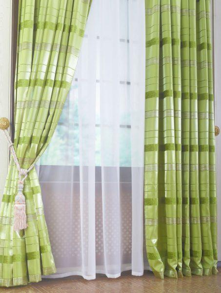 Блестящие полосы на шторах