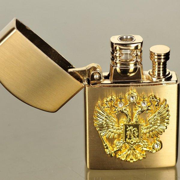 Герб России на зажигалке