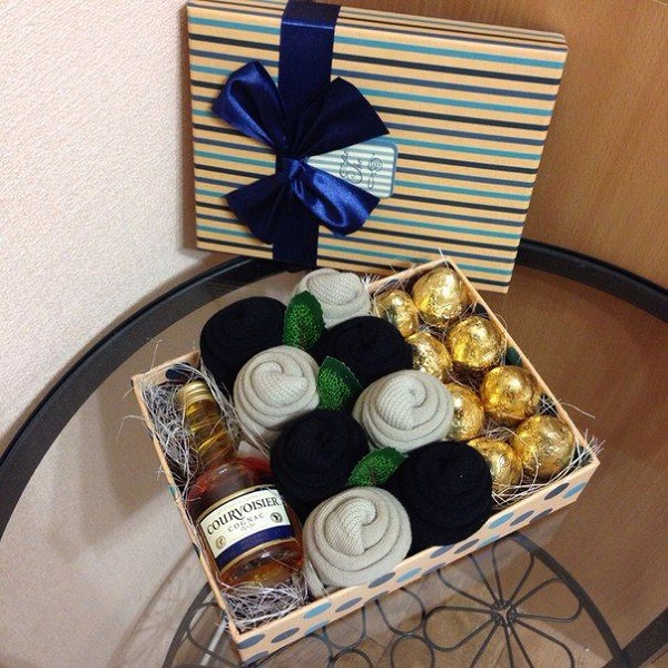 Подарок в коробке на 23 февраля