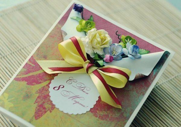 Красивая открытка с бантиком