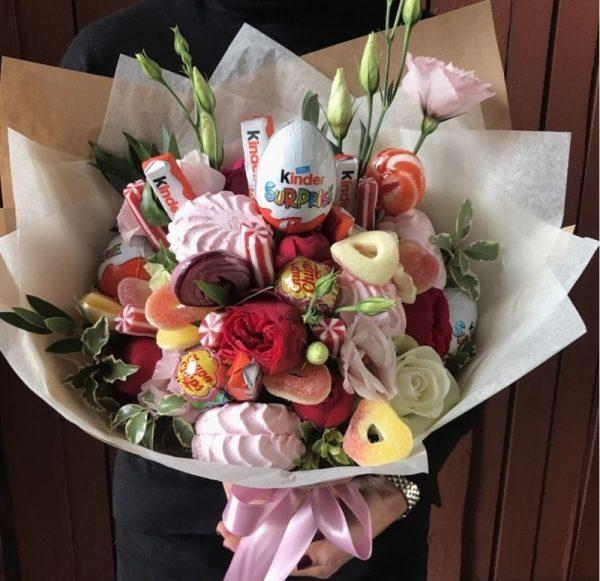 Сладкий букет с цветами