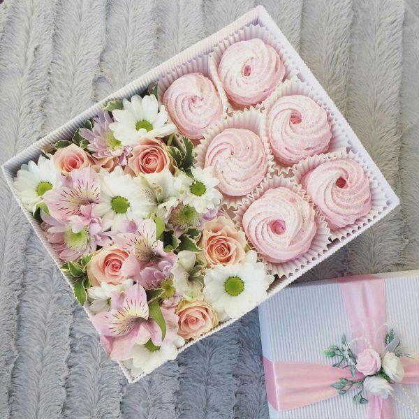 Цветы и зефир